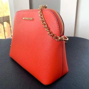 NWT authentic MK leather dome crossbody clementine